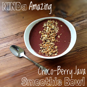 KINDa Amazing Smoothie Bowl - KIND Bar Review & GIVEAWAY!