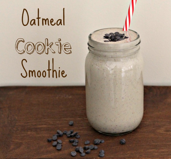 Oatmeal Cookie Protein Smoothie {Vegan}