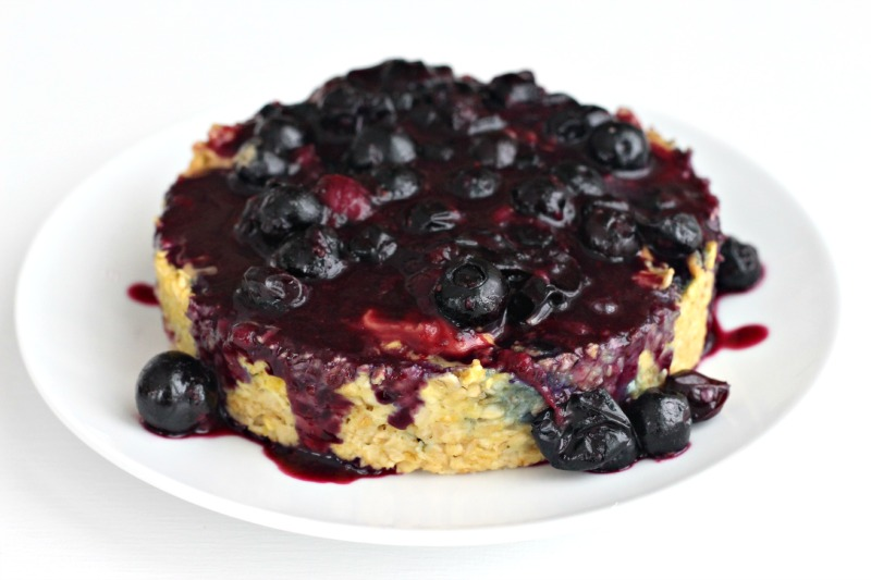 Foodie Friday: Blueberry Oatmeal Breakfast Bake - The Fit Foodie Mama