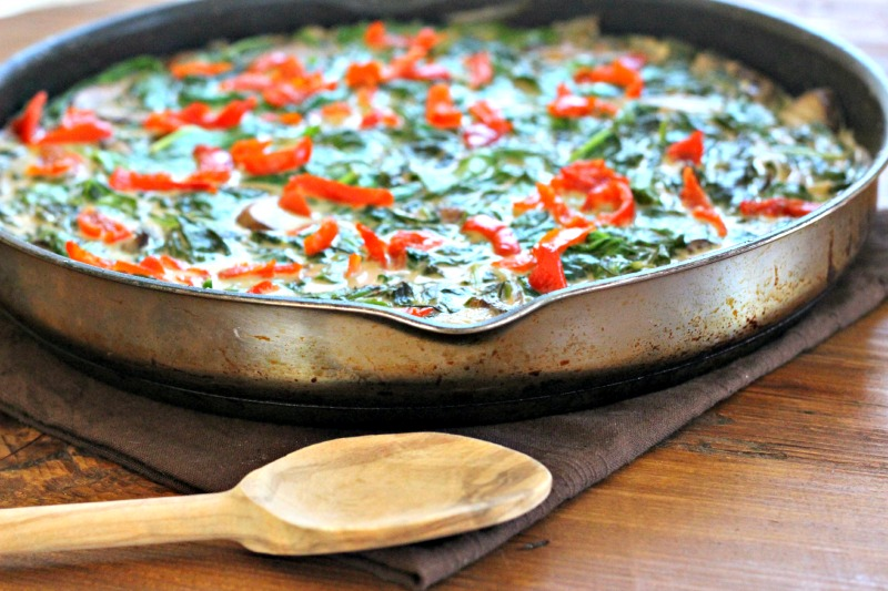 Meatless Monday: Coconut Creamed Spinach with Mushrooms and Piquante Peppers {Gluten Free, Vegan, Paleo}