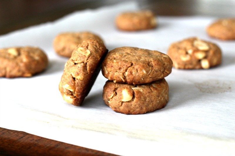 Maple Almond Butter Macadamia Nut Cookies {Gluten Free, Vegan}