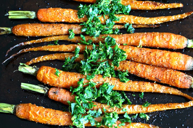 Meatless Monday: Roasted Carrots with Gremolata  {Gluten Free, Vegan, Vegetarian, Healthy}