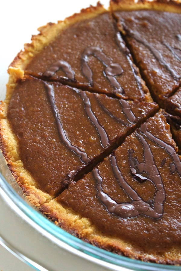 Paleo Chocolate Pumpkin Pie via @thealmondeater