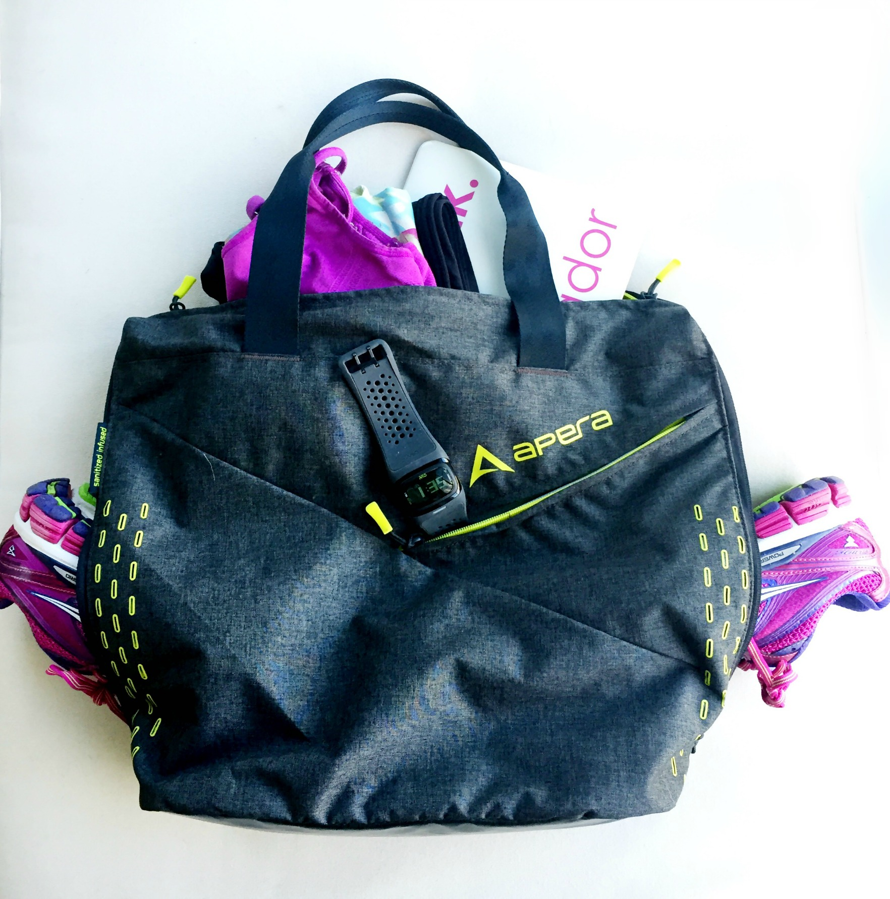 Apera Bags Studio Tote Review and Giveaway