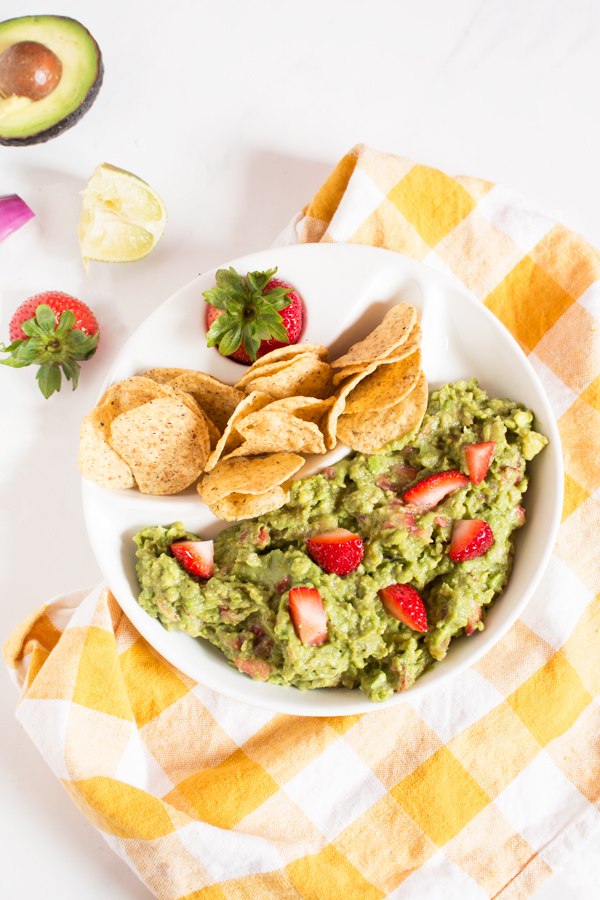 strawberry-balsamic-guacamole5b